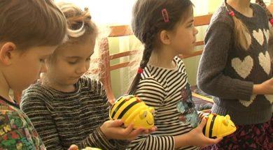До чего дошел прогресс – в Вентспилсских детских садах педагогам помогают роботы.