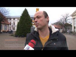 CAURI VENTSPILIJ TRANSPORTĒ 18 METRU GARU EGLI