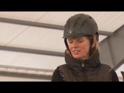 Новый  манеж конно-спортивного клуба Демора